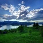 Mountain and lake landscape — Stock Photo