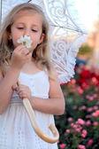 Chica con paraguas — Foto de Stock