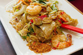 Thai Pad Kee Mao Rice Noodle with Prawns Dish — Stock Photo