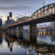 Hawthorne Bridge Across Willamette River by Portland Oregon Wate - Stok fotoraf