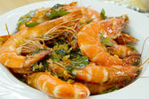 Cooked Prawns with Garlic and Curry Leaves Dish — Stock Photo