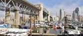 Marina Under the Burrard Bridge in Vancouver BC — Foto de Stock