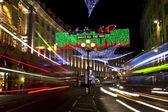 риджент стрит рождественские огни в лондоне — Стоковое фото