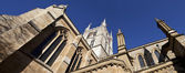 Looking up at Southwark Cathedral — Stock Photo