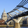St. Paul's and the Millennium Bridge — Stock Photo #8563380