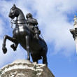 Charles I Statue and Nelson's Column in Trafalgar Square - Foto de Stock