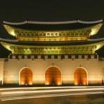 Gwanghwamun gate of Gyeongbokgung palace in seoul south korea at night — Stock Photo #10588086