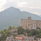 Castelvecchio di Rocca Barbena — Stock Photo