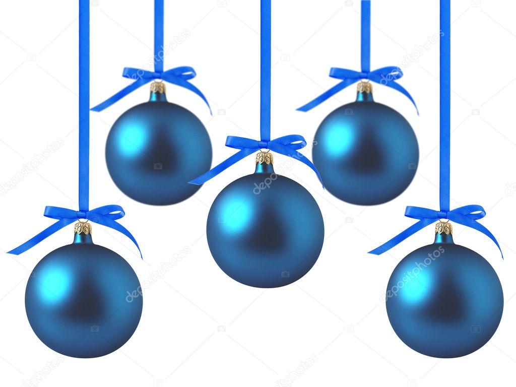 Bolas de navidad azul con lazos sobre fondo blanco — foto