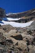 Mountain with glacier and moraine at the cirque de Gavarnie. — Stock Photo