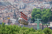 Cable cars over the city Grenoble. — Stock Photo