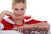 žena oblečená oslavit vánoce — Stock fotografie