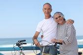 Senior couple on a summer vacation — Stock Photo