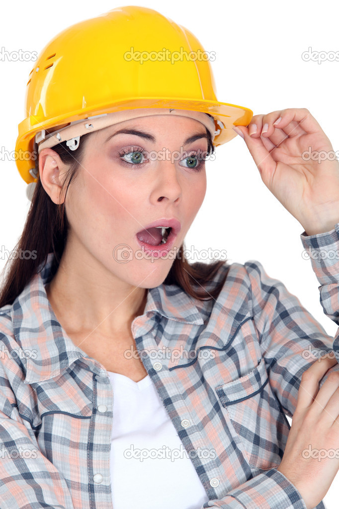 how to become a female construction worker