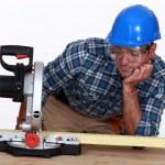 Man with a circular saw — Stock Photo