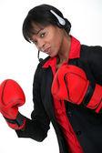 Trabajador de call center con guantes de boxeo — Foto de Stock