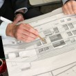 Architect debating over project details — Stock Photo