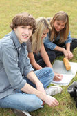 Teens studying — Stock Photo