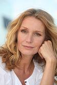 Portrét ženy středního věku blond — Stock fotografie