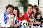 Parejas de los fanáticos del fútbol — Foto de Stock