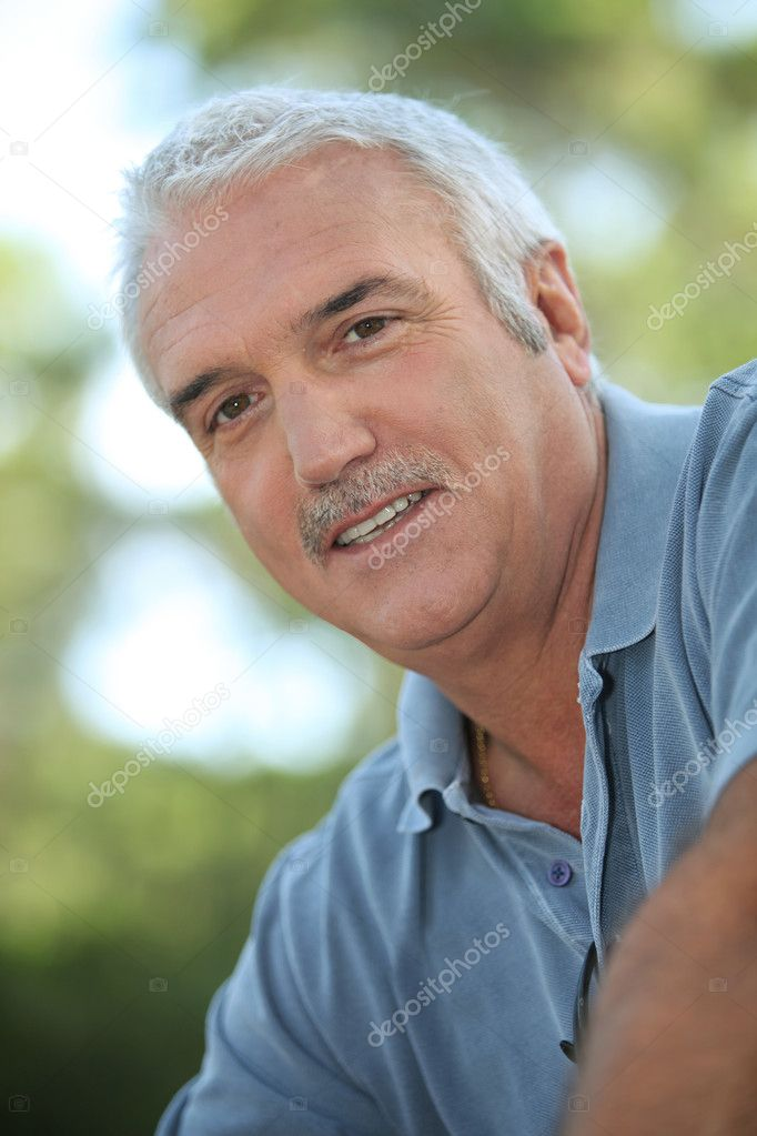 Portrait of senior man — Stock Photo #10512490