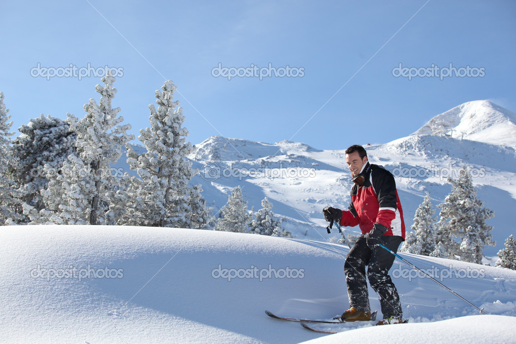 Man skiing — Stock Photo #10519951