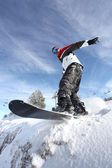 Man on a snowboard — 图库照片