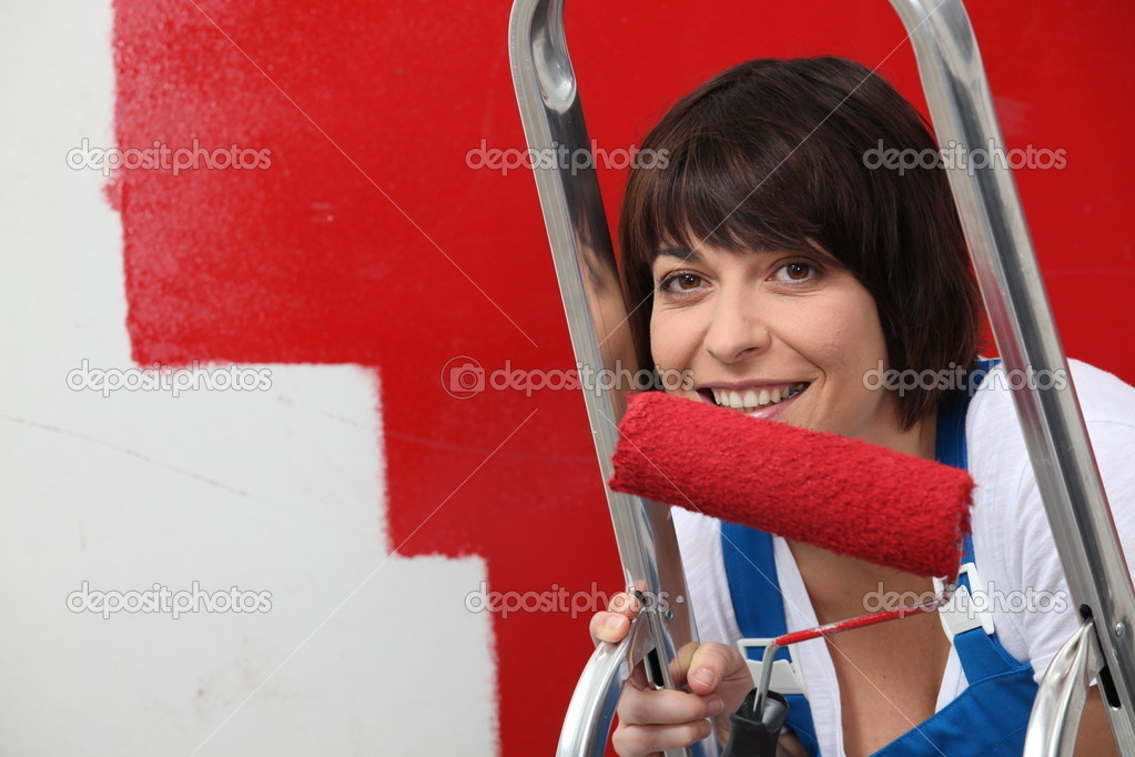 Portrait of a woman painting — Stock Photo #8014111