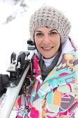 Portrét krásné ženy v lyžařském středisku — Stock fotografie
