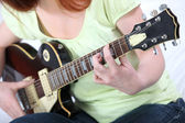 Playing the electric guitar — Stock Photo