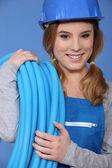 Usmívající se žena instalatér — Stock fotografie