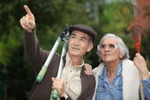 Couple gardening — Stock Photo