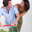 Couple shopping together — Stock Photo #8101515