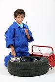 Retrato de niño vestido como mecánico — Foto de Stock