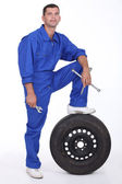 A man car mechanician — Stock Photo