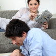 Foto Stock: Young homeloving couple