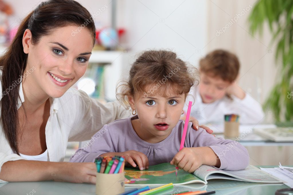 Teacher and her students — Stock Photo #8166304
