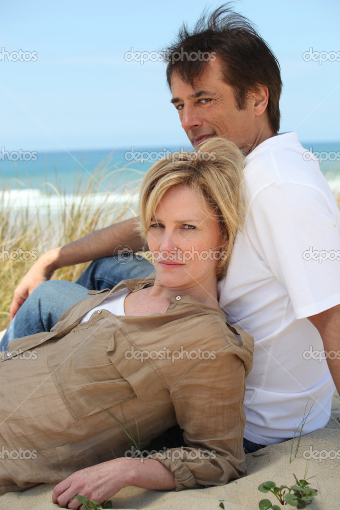 Couple on the beach — Stock Photo #8169508