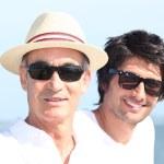 Baba ve oğul plaj — Stok fotoğraf
