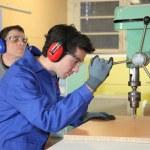 arbeiders in workshop — Stockfoto