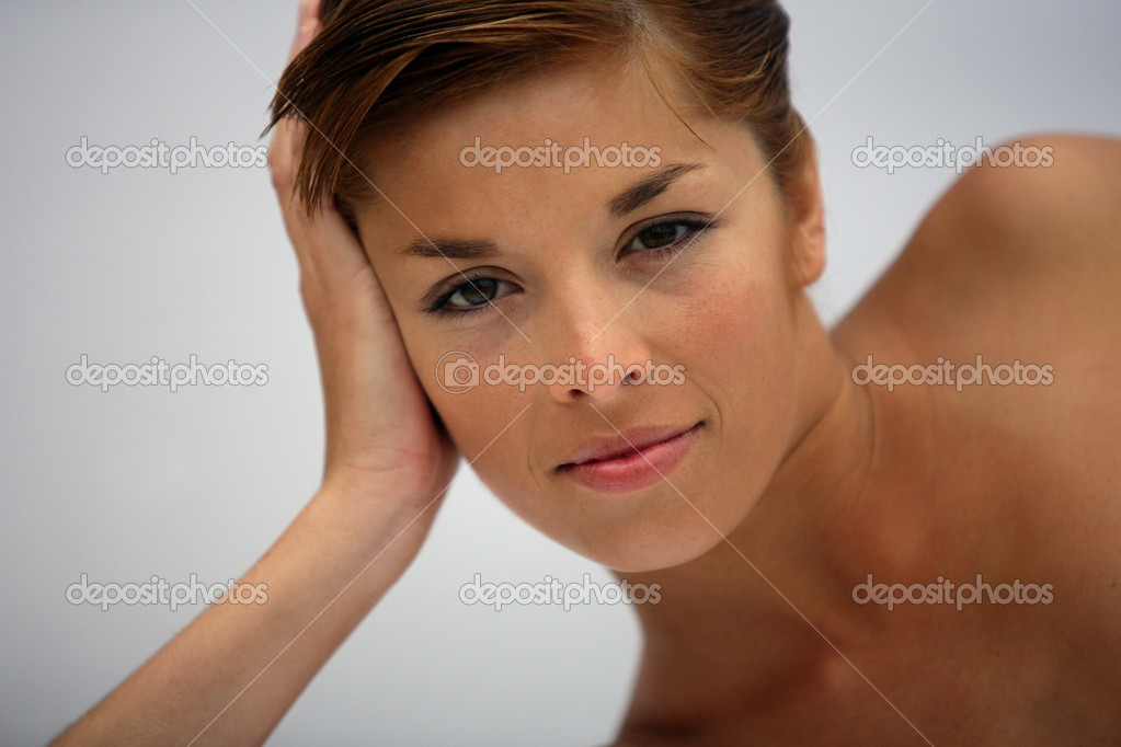 Portrait of young woman — Stock Photo #8325358