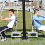 Men bodybuilding outdoors — Stock Photo #8343348