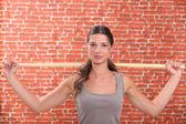 Mulher fazendo exercícios de esporte — Foto Stock