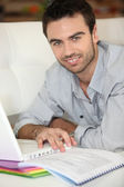 Man preparing report at home — Stock Photo