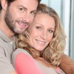 Couple with arms around — Stock Photo #8406933