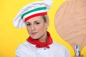 女性比萨厨师的肖像 — 图库照片
