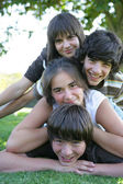 Teenagers in the park together — Stock Photo