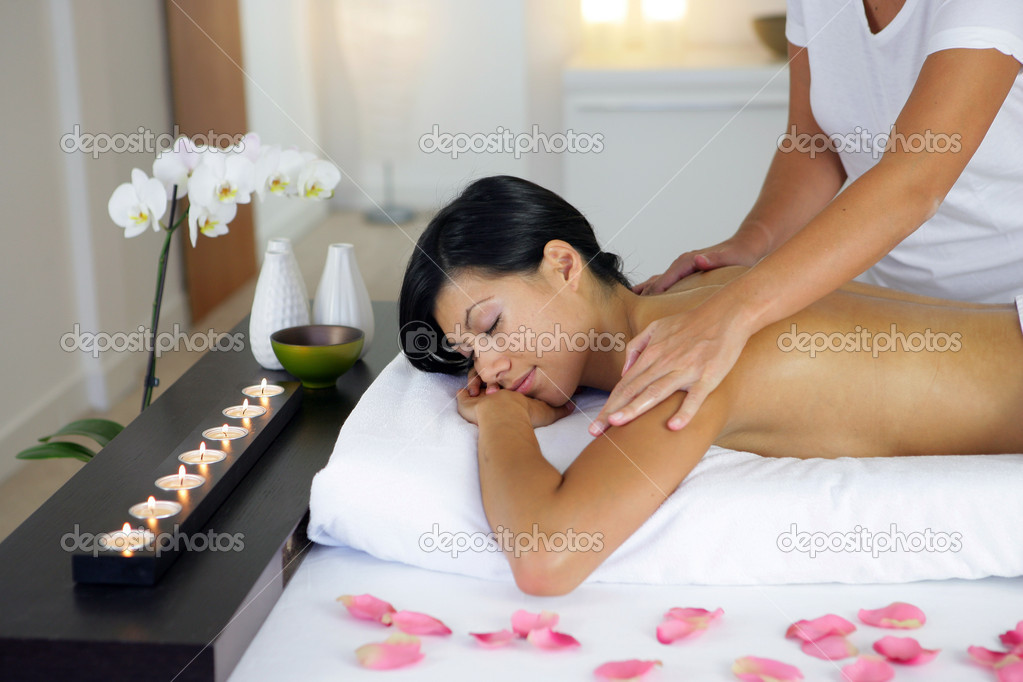 Woman having a massage — Stock Photo #8538887