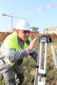 Surveyor op een bouwplaats — Stockfoto