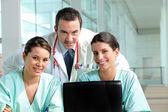 Lavoro di squadra ospedale — Foto Stock
